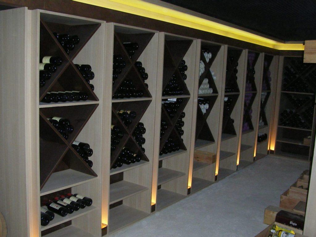 am nagement d 39 une cave vin ateliers courtois. Black Bedroom Furniture Sets. Home Design Ideas