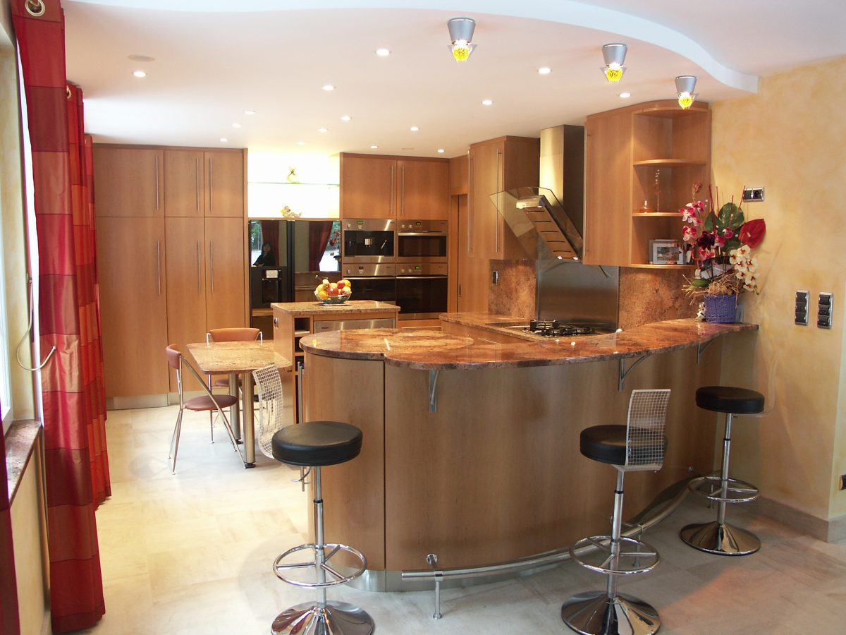 Am nagement d 39 int rieur bar ateliers courtois for Amenagement bar cuisine